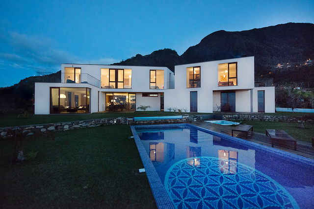 casa do miradouro by night madeira vacation home rental villa luxury pool