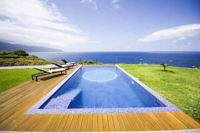 casa do miradouro madeira vacation home view over pool and ocean